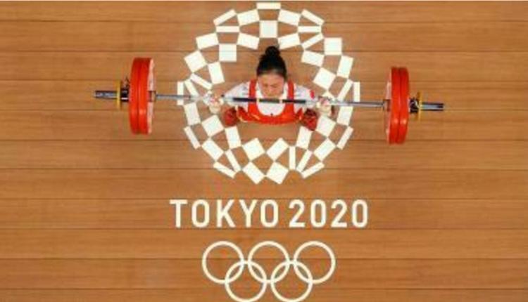中国女子举重运动员廖秋云