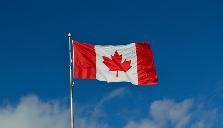 图为加拿大国旗