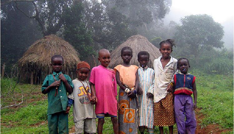 几内亚村落,几内亚儿童