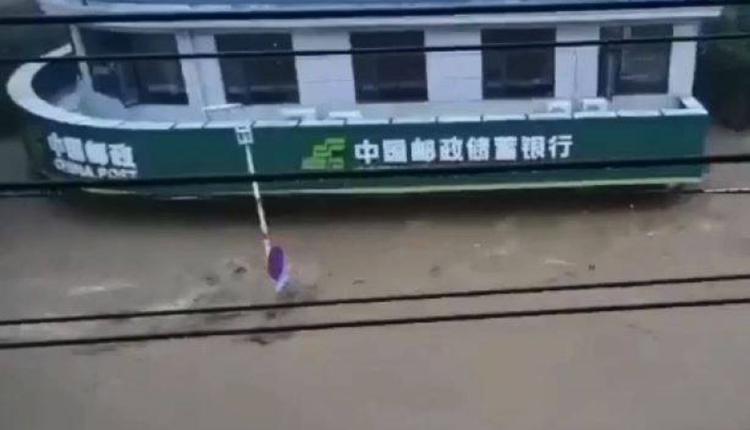 中国湖北省随州市柳林镇12日凌晨开始降雨