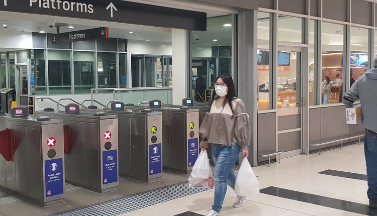 澳洲疫情期间华人正在购物