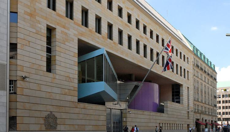 英國駐德國大使館,David Smith