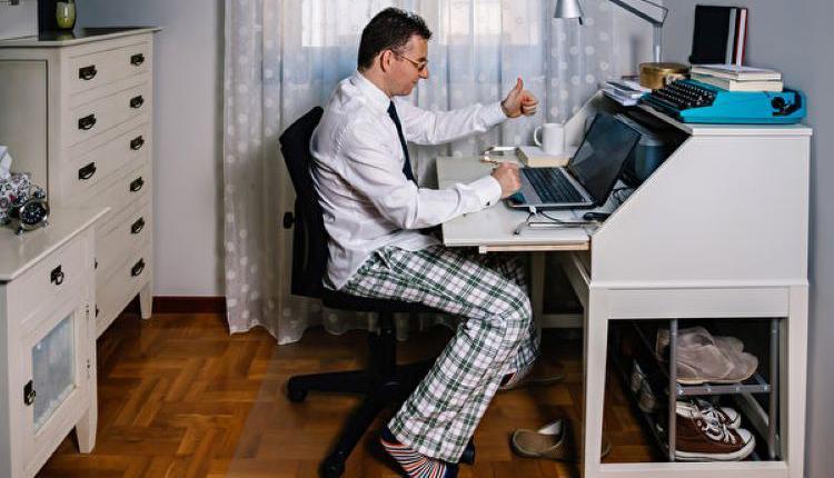 睡衣,在家办公,家庭办公室,