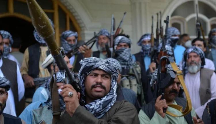 阿富汗抵抗塔利班的军人