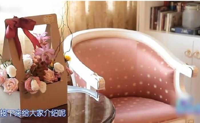 粉红色单人椅