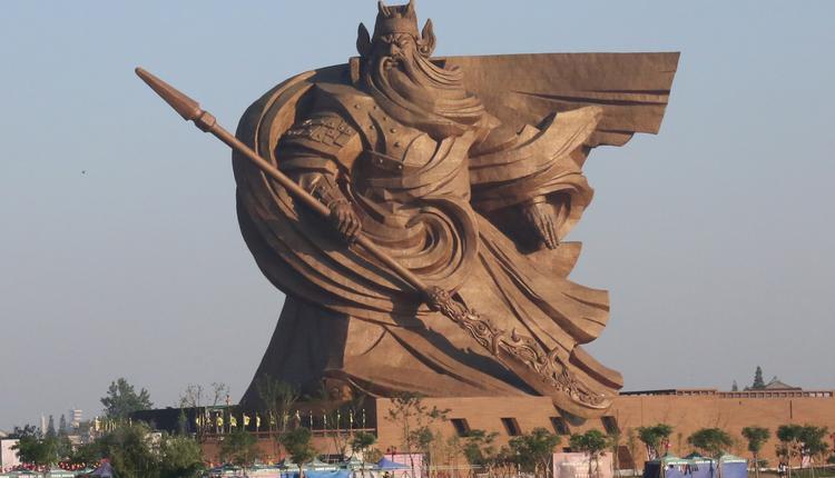 荆州关羽像