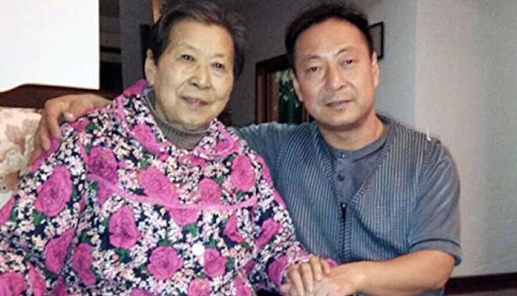 郭泉和他的母亲