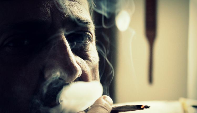 吸烟,抽烟,老人