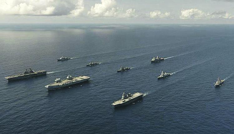 英美日三国直通甲板型军舰并航